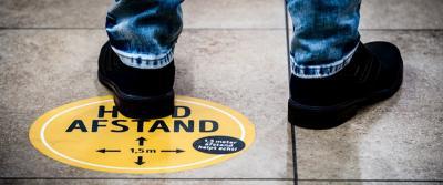 Vloertape en vloerstickers voor social distancing